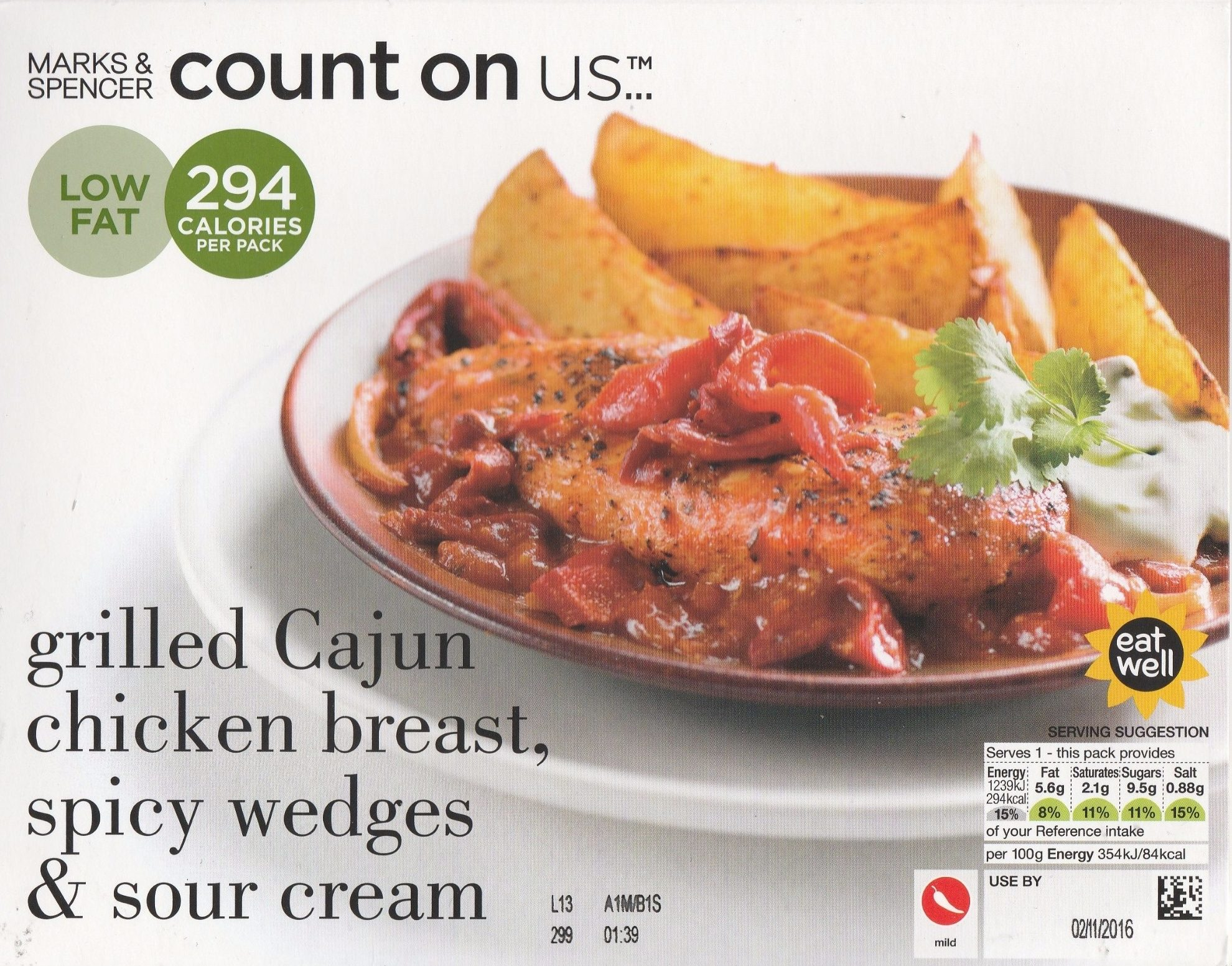 grilled Cajun chicken breast, spicy wedges & sour cream - Product - fr