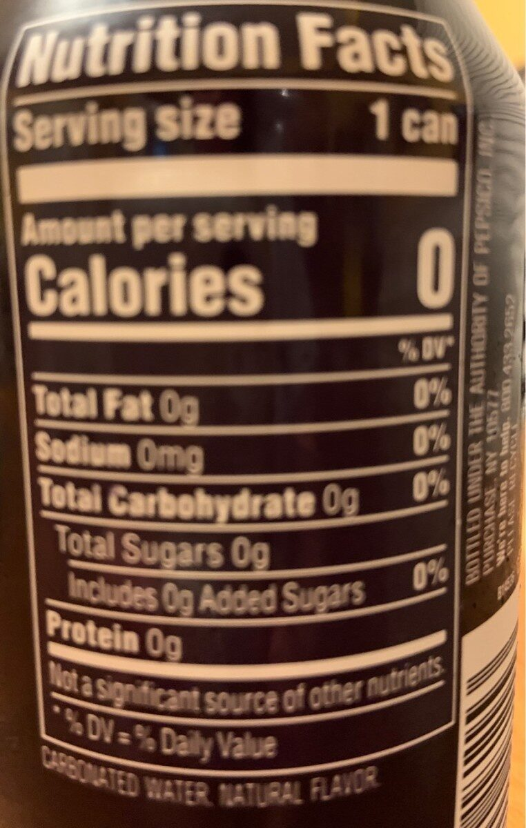 Blackberry sparkling water - Nutrition facts - en