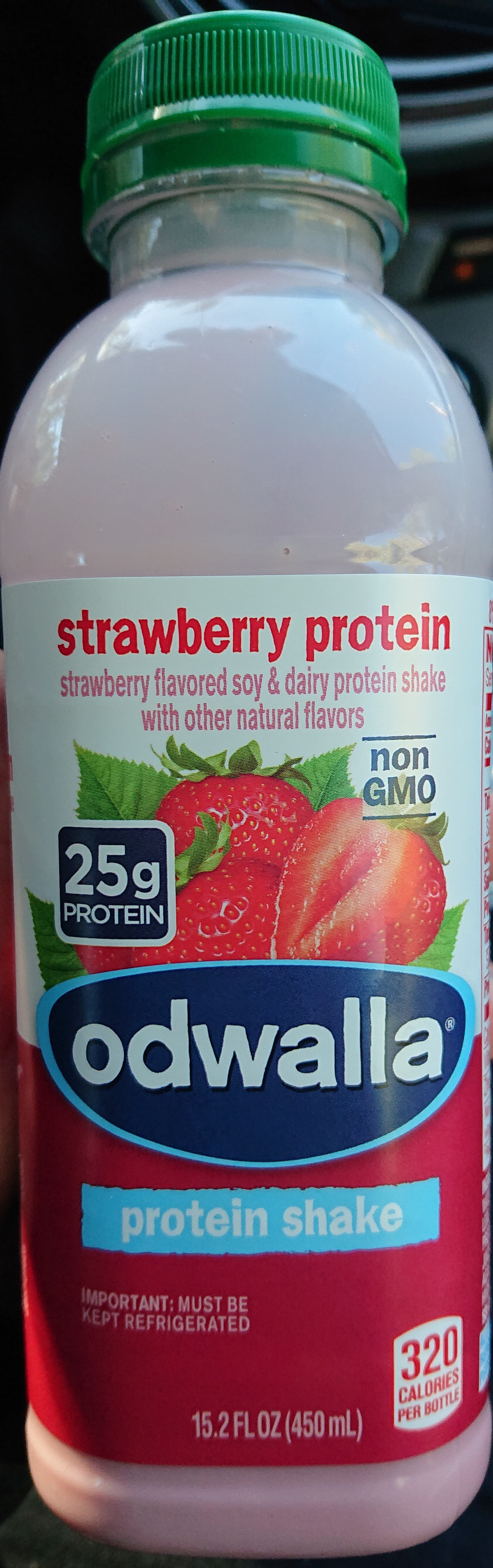 Strawberry protein shake - Product - en