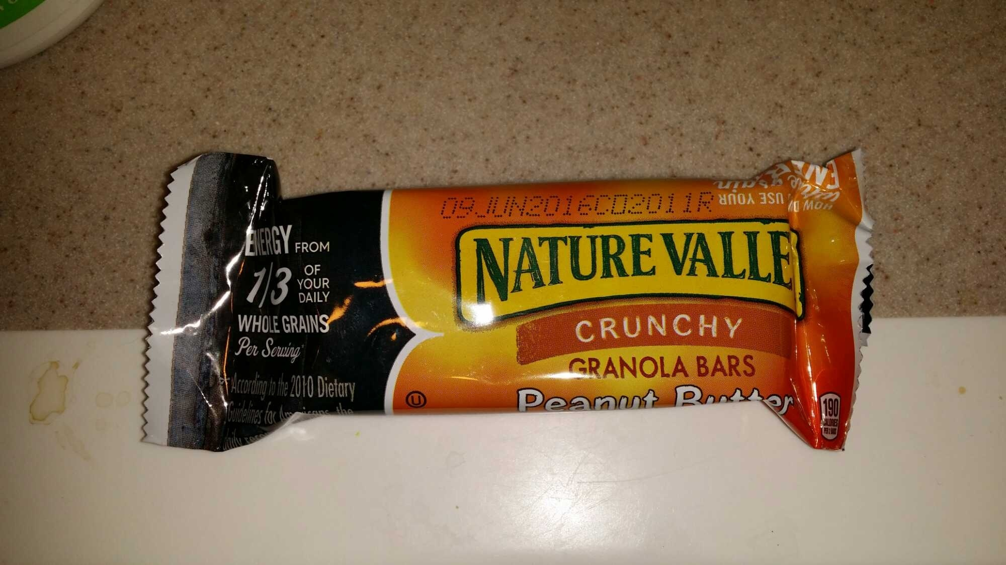 Nature Valley Sweet & Salty Nut Peanut Granola Bar - Product - en