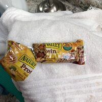 Protein honey peanut and almond bar - Product - en
