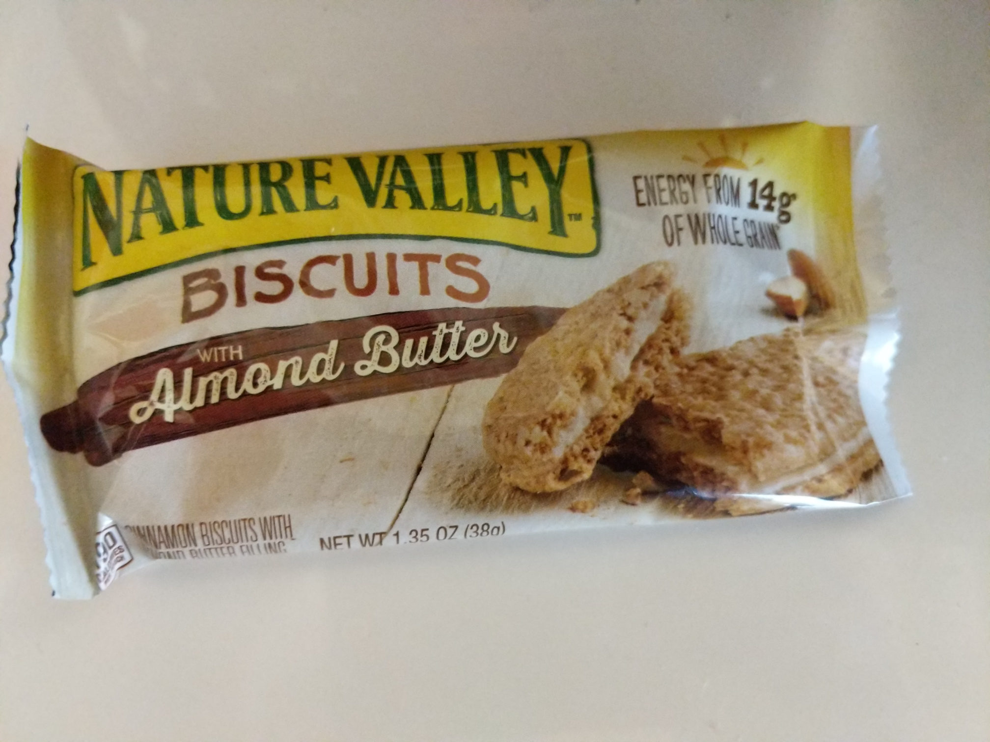 Nature Valley Cinnamon Biscuits with Almond Butter Filling - Product - en