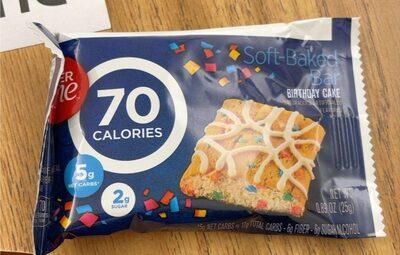 Fiber One 90 Calorie Birthday Cake Baked Bar - Prodotto - en