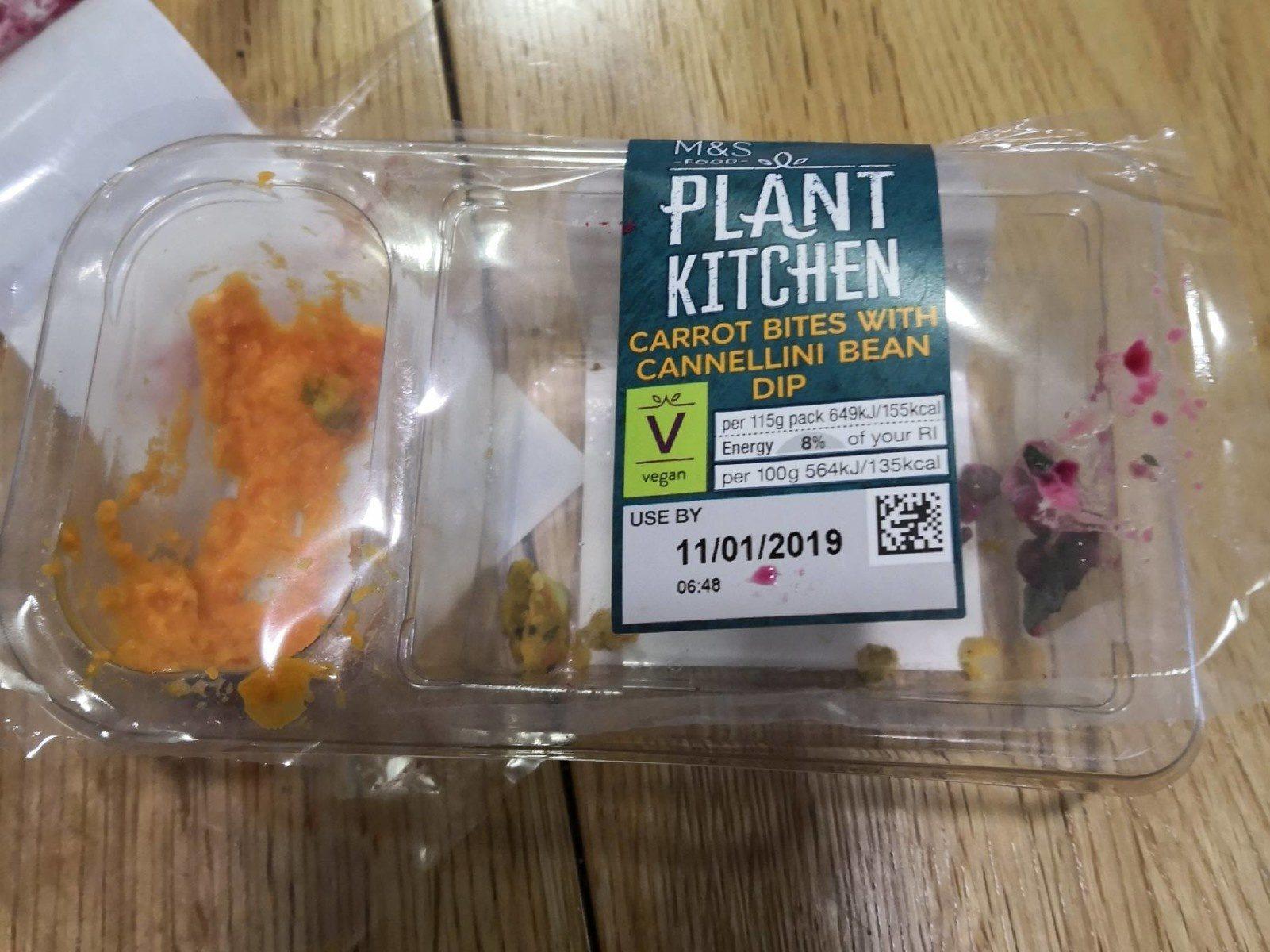 Plant kitchen : Carrot bites with cannelini bean dip - Produit - fr