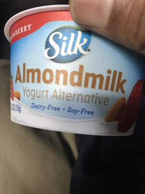 Almondmilk yogurt alternative - Product - en