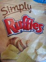 Ruffles Sea Salted Reduced Fat Potato Chips 8 Ounce Plastic Bag - Product - en