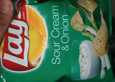 Lays sour cream and onions flavour - Product