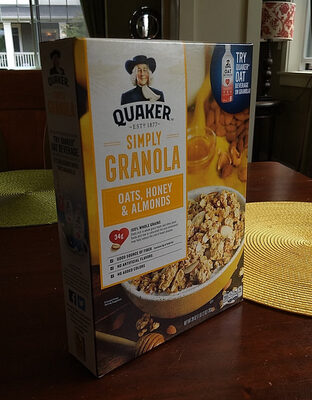 Quaker Simply Granola Oats/Honey/Almond Cereal 28 Ounce Paper Box - Produit - fr