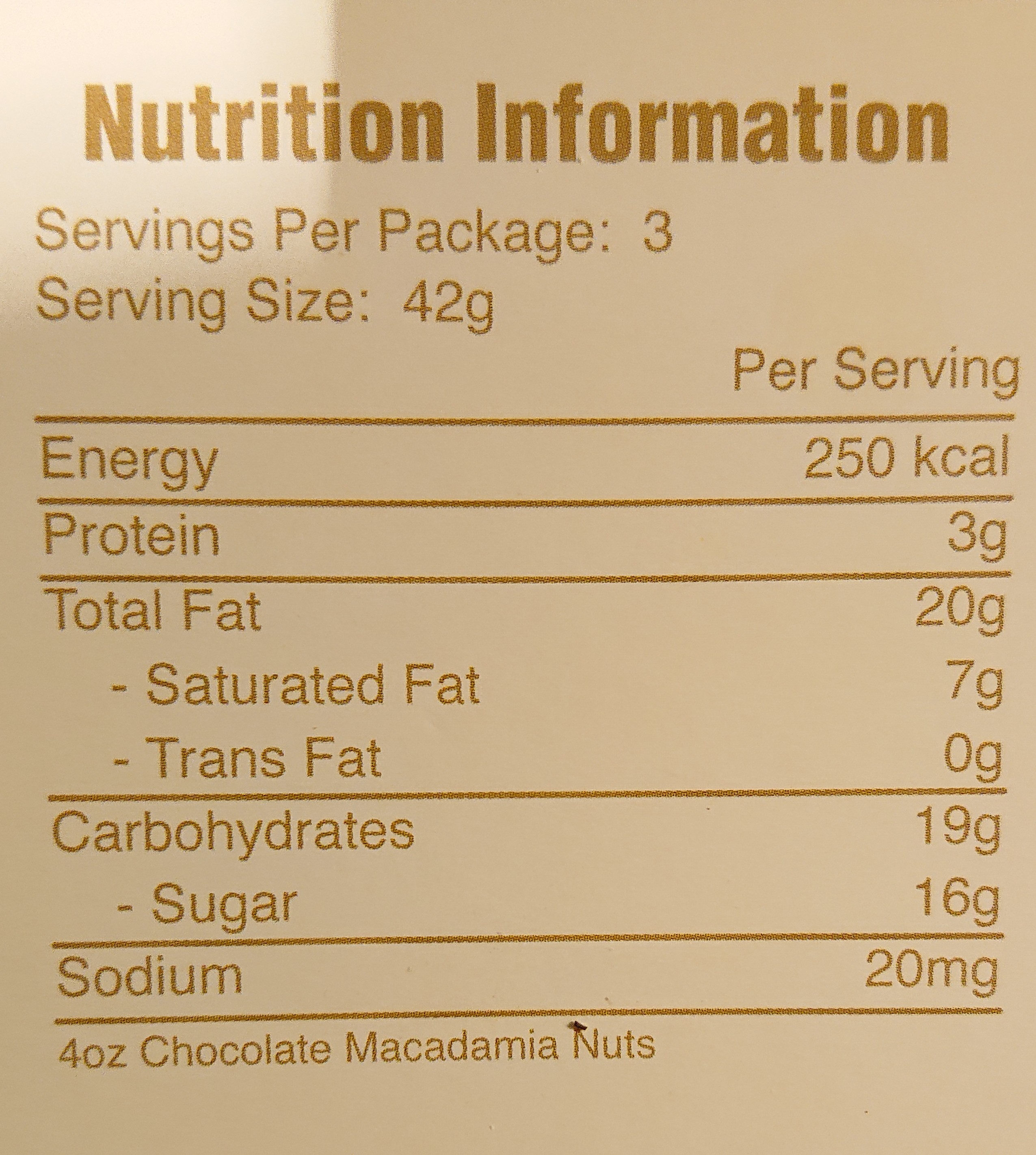 Milk chocolate covered macadamia nuts wholes and halves - Nutrition facts - en
