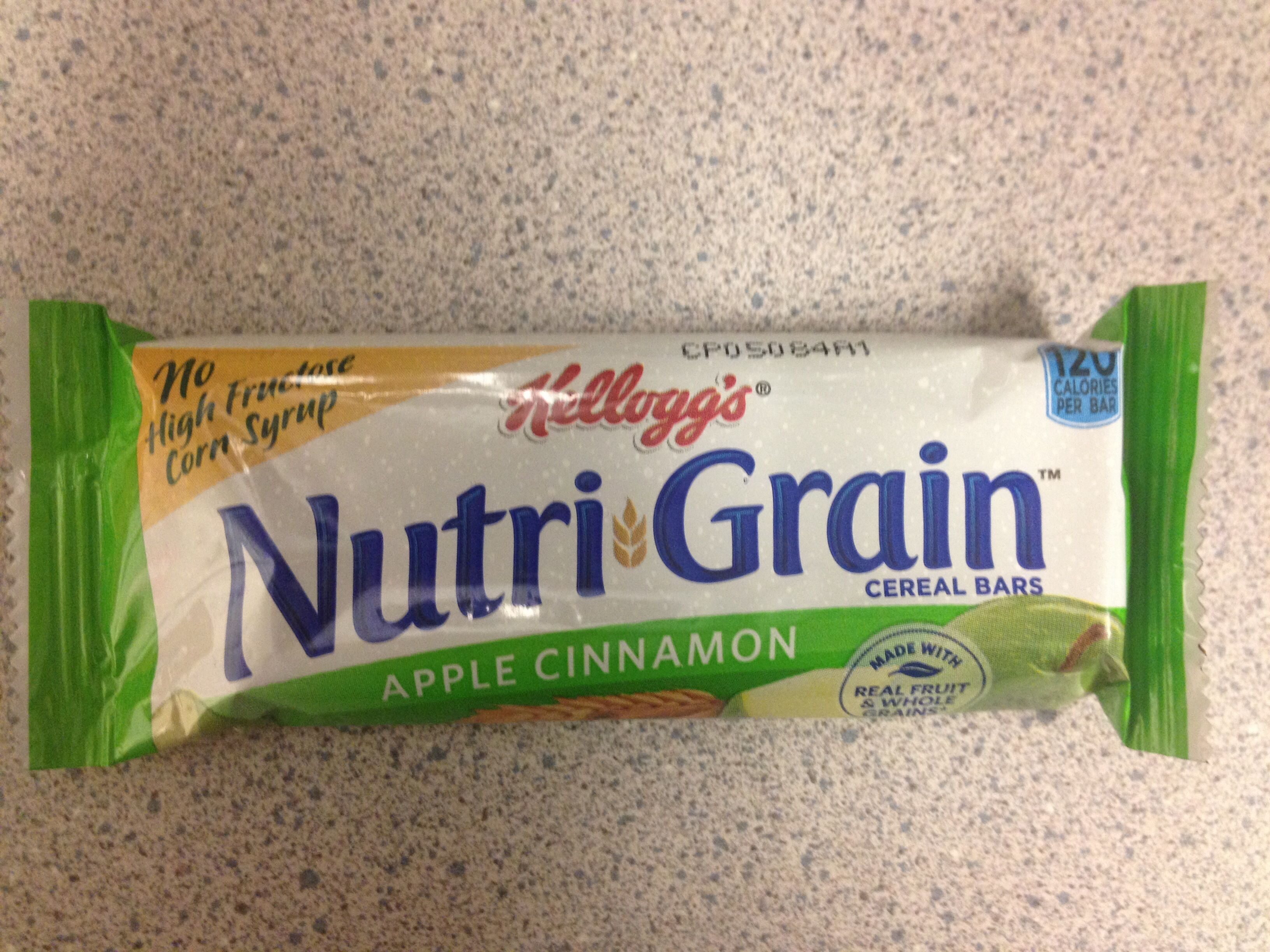 Kellogg's Nutri-Grain Cereal Bars Apple Cinnamon 1.3oz - Product - en