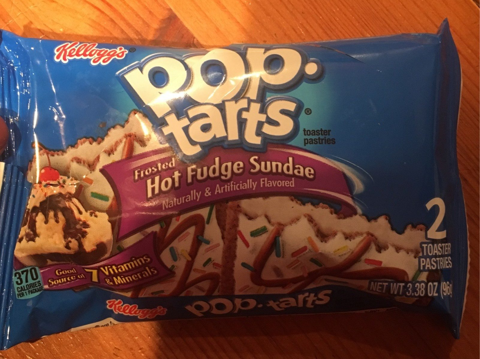 Frosted hot fudge sundae toaster pastries, frosted hot fudge sundae - Produit - fr