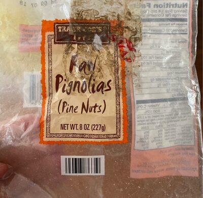 Raw pignolias - Product - en