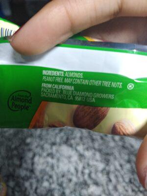 Natural whole almonds - Ingredients - en