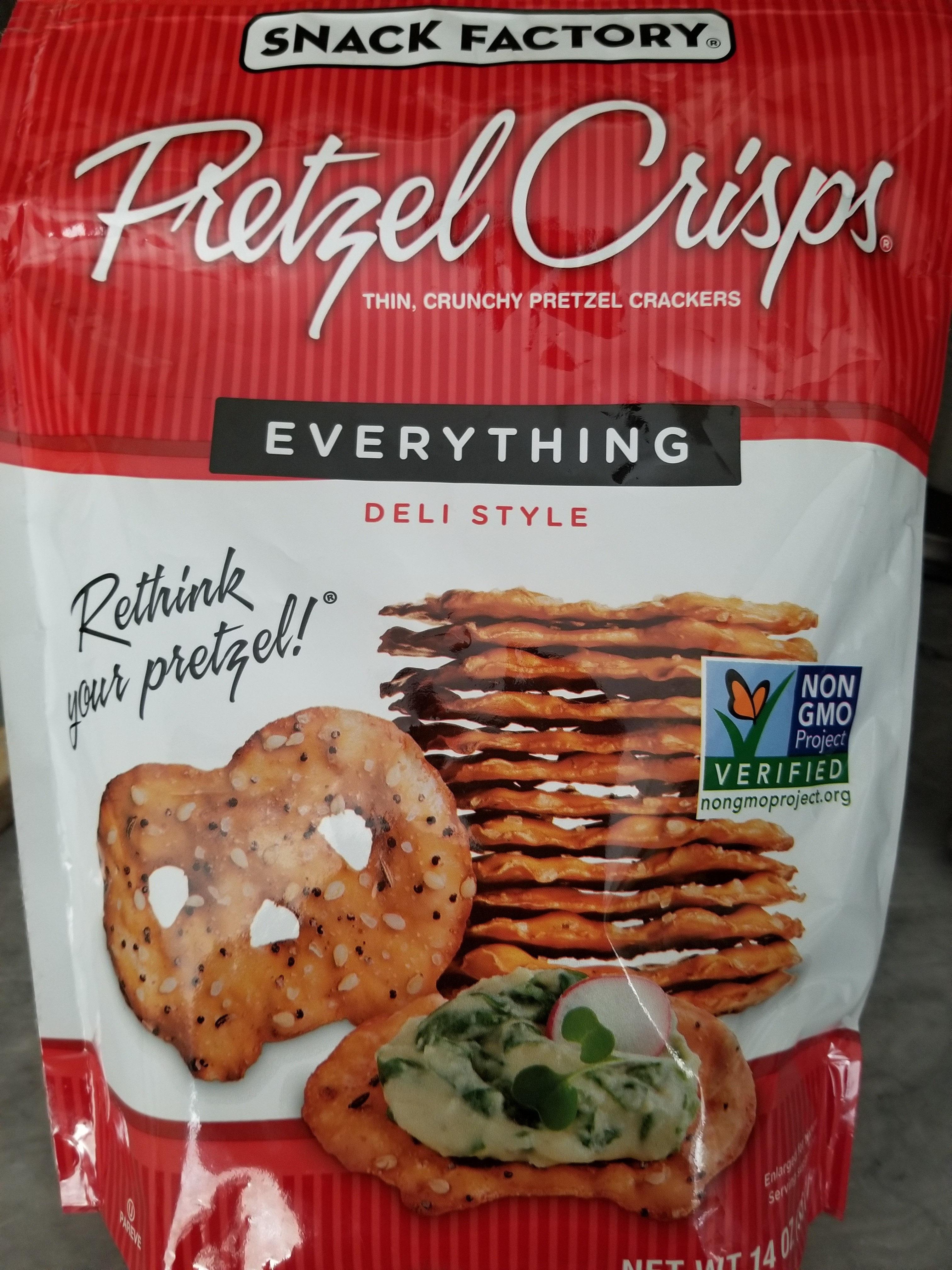 Thin, crunchy pretzel crackers - Product - en