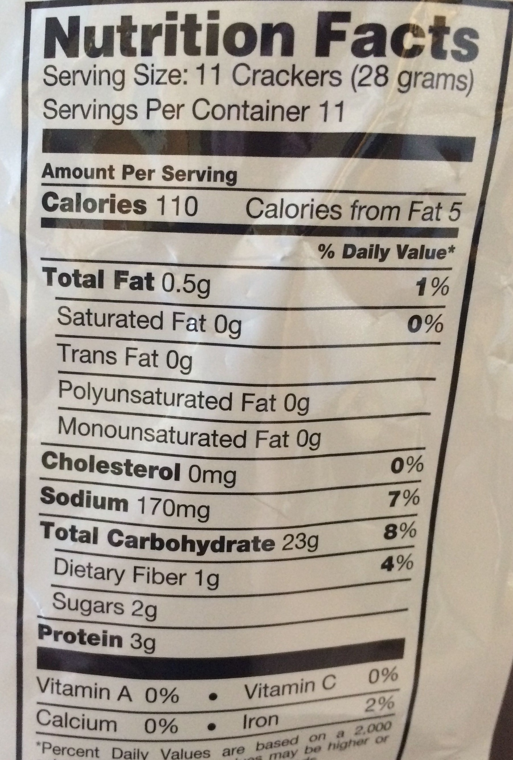 Thin, crunchy pretzel crackers - Nutrition facts - en