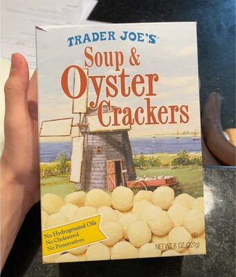 Soup and oyster crackers - Product - en