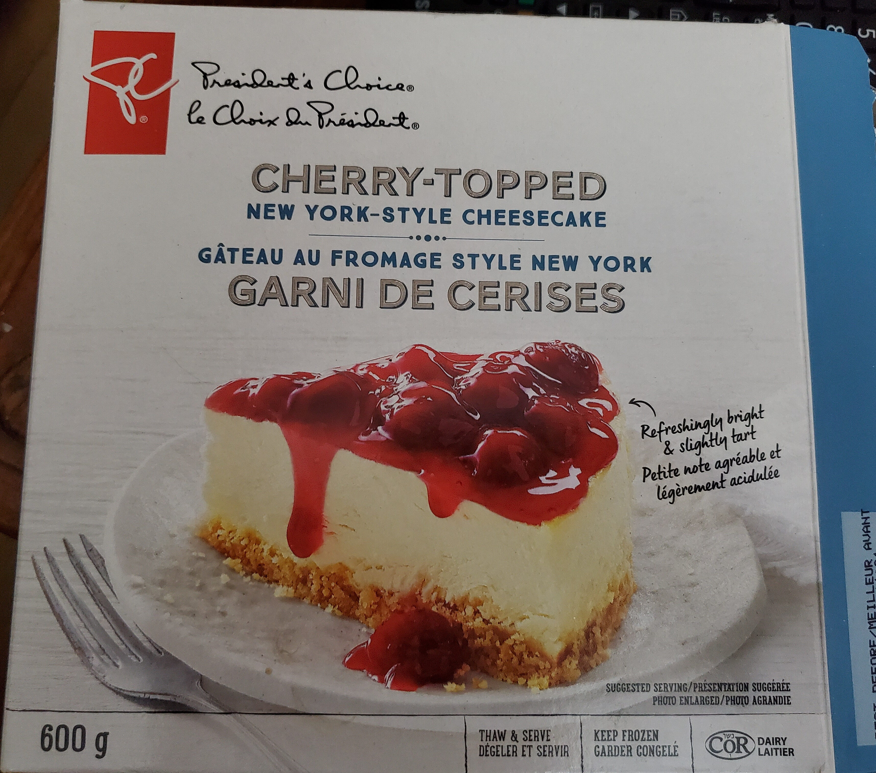 Cherry-Topped New York-Style Cheesecake - Product - en