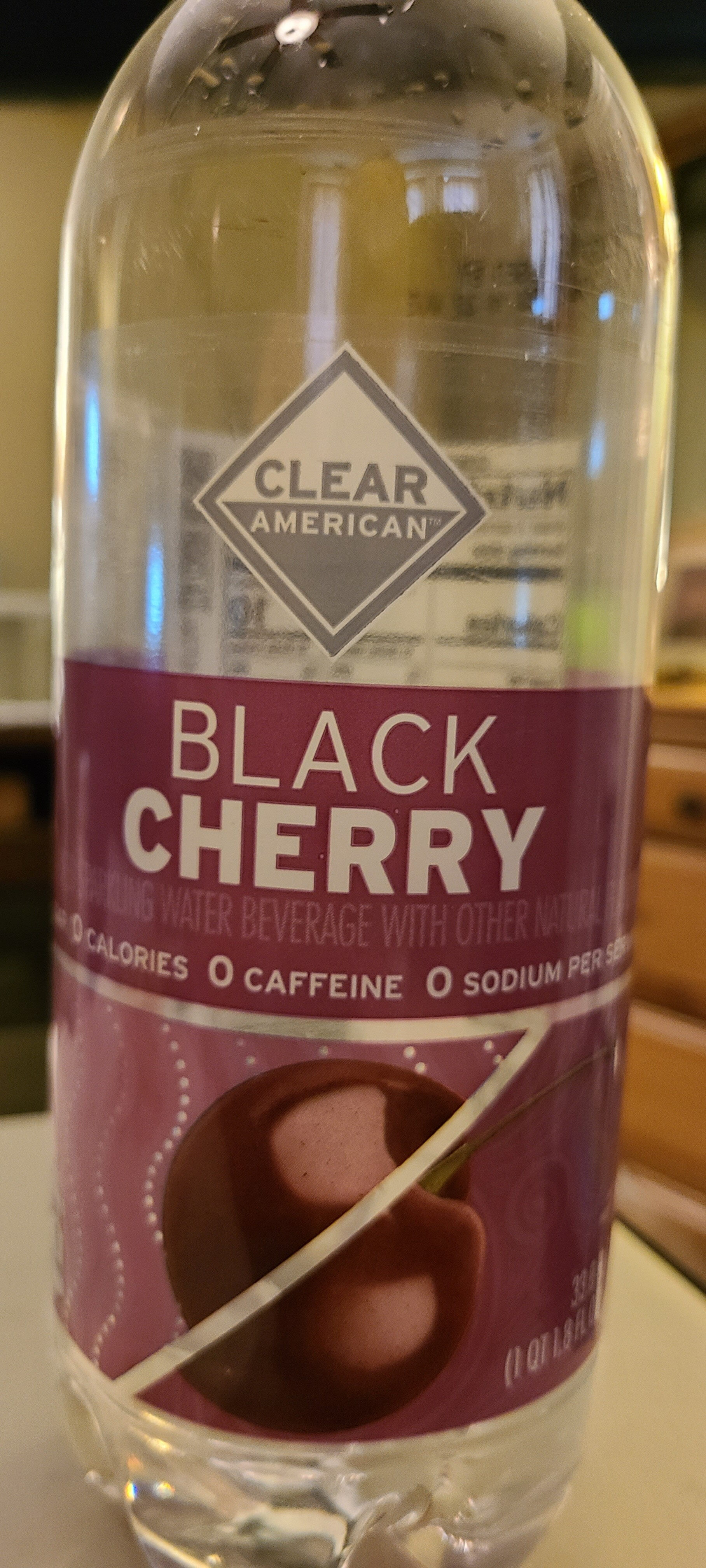 Clear american, sparkling water beverage, black cherry - Prodotto - en