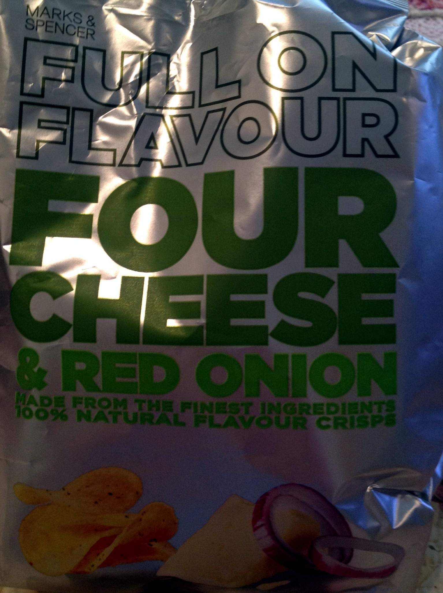 Full on flavour - Four cheese & red onion - Product - en
