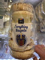 Everything Bagels - Product - en