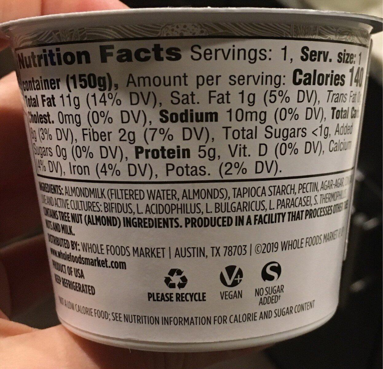 Plain almondmilk unsweetened non-dairy yogurt, plain almondmilk - Informations nutritionnelles - fr