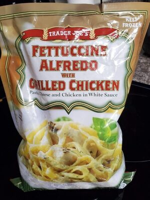 Fettuccine Alfredo with Grilled Chicken - Product - en