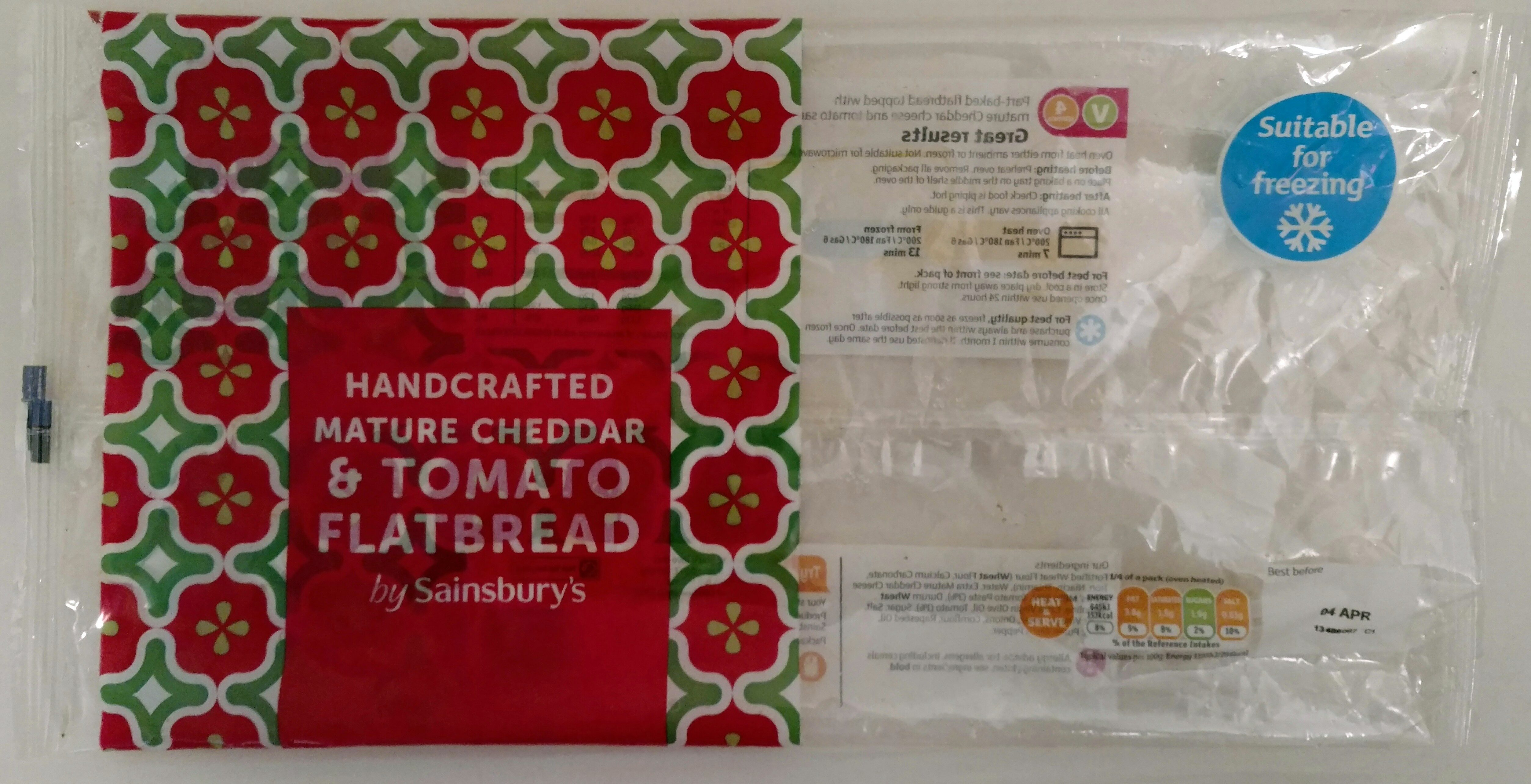 Handcrafted mature cheddar & tomato flatbread - Product