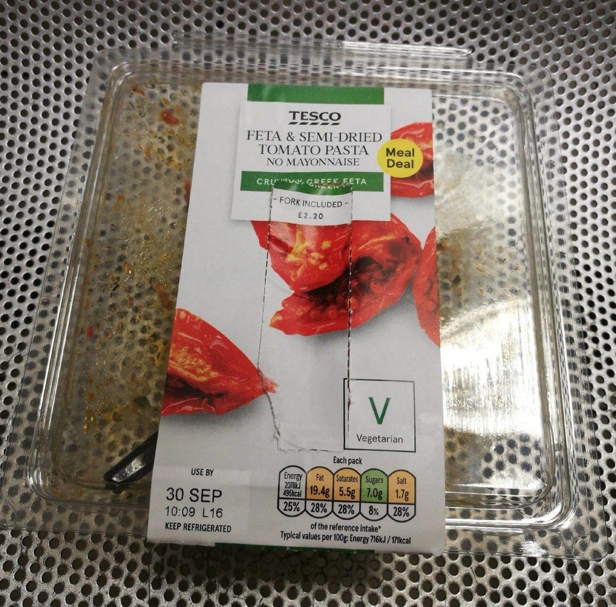 Feta & semi-dried tomato pasta - Product - fr