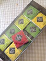Assortiment De Carrés De Chocolat Noir - Produit - fr