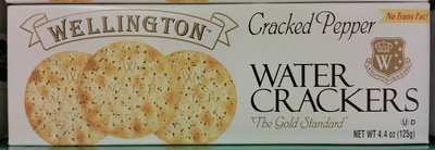 Cracked pepper water crackers - front
