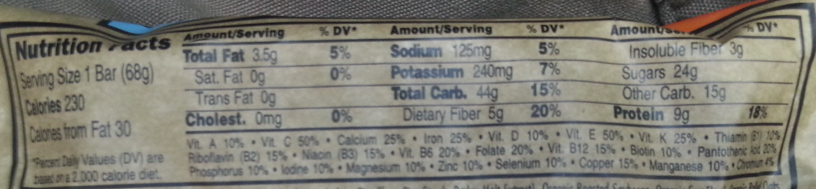 Energy bar made with organic rolled oats - Nutrition facts - en