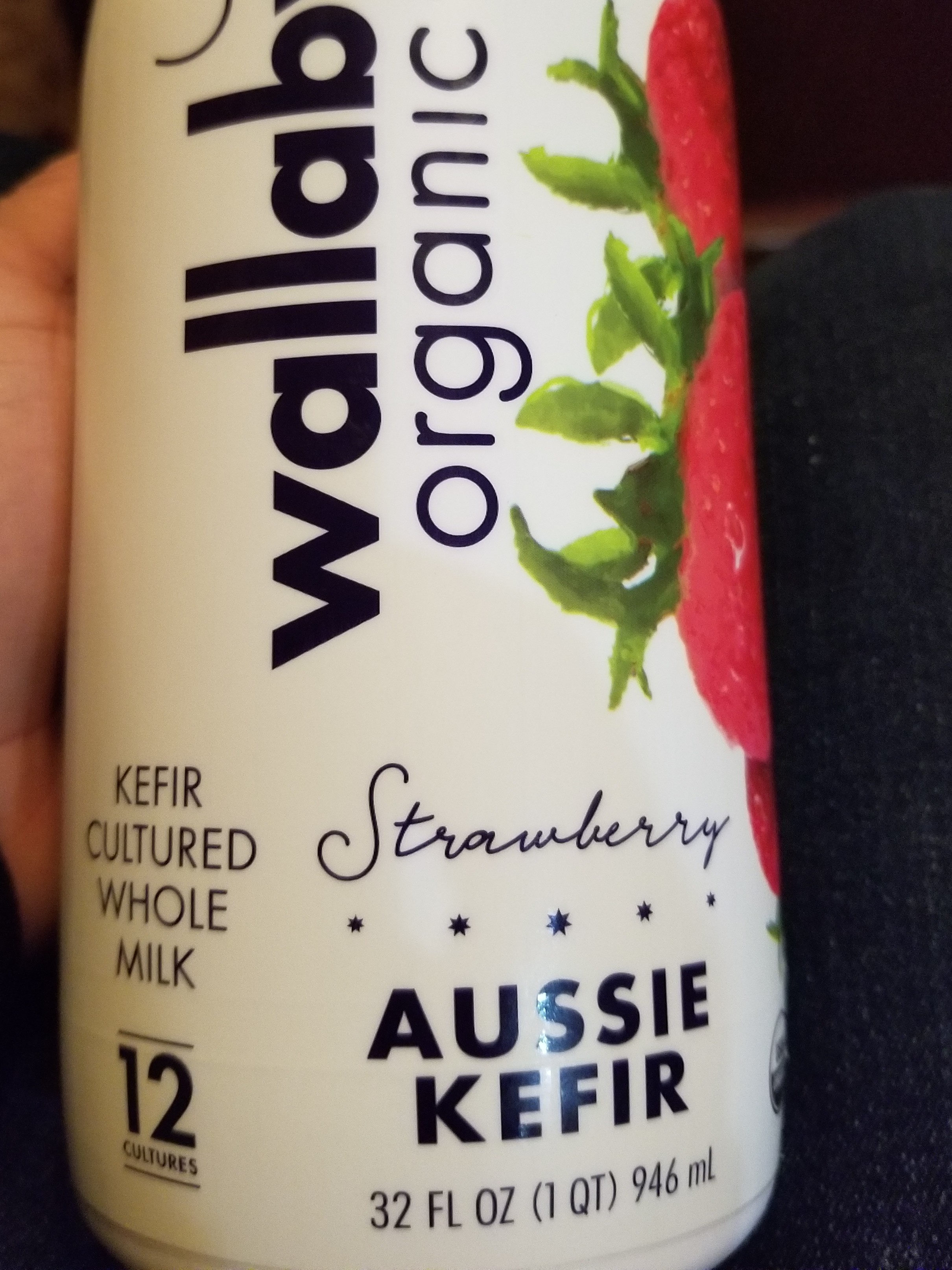 Strawberry aussie kefir cultured whole milk - Product - en