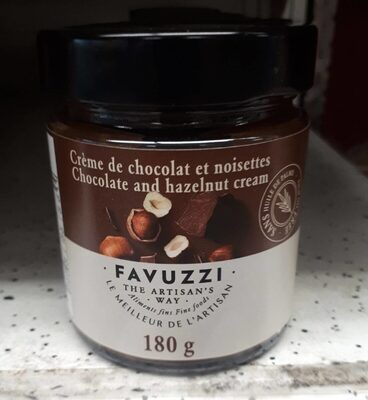 Crème de chocolat et noisettes - Product - en