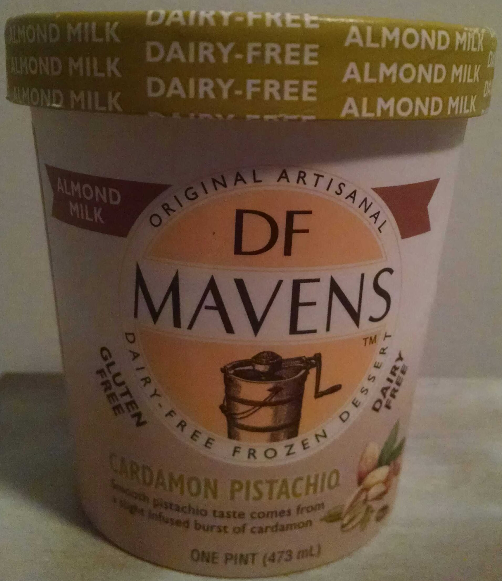 Dairy-Free Frozen Dessert, Cardamon Pistachio - Product - en