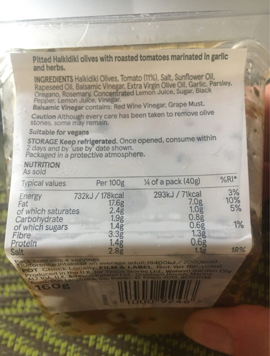 Halkdiki olives with slow roasted tomatoes - Nutrition facts