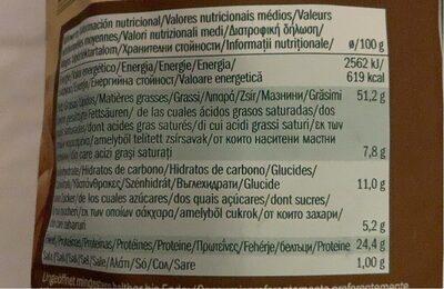 Cacahuètes grillées et salées (XXL) - Informazioni nutrizionali - it