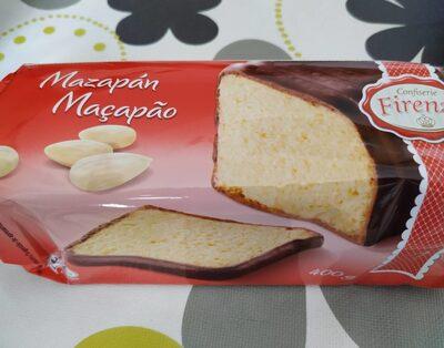 Bizcocho con mazapán recubierto de chocolate - 1