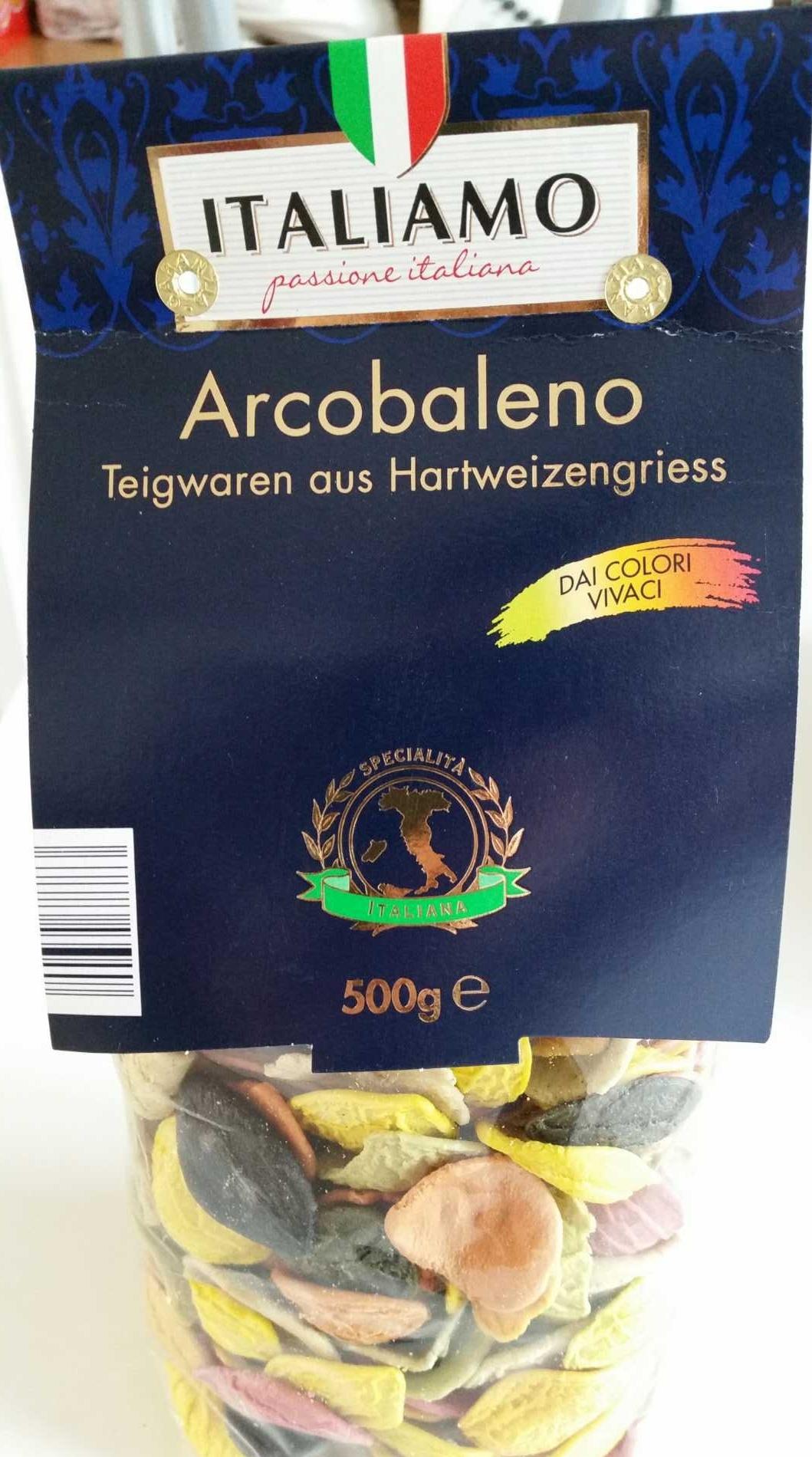 Arcobaleno - Pâtes de semoule de blé dur avec légumes, curcuma, basilic et encre de calmar - Product - fr