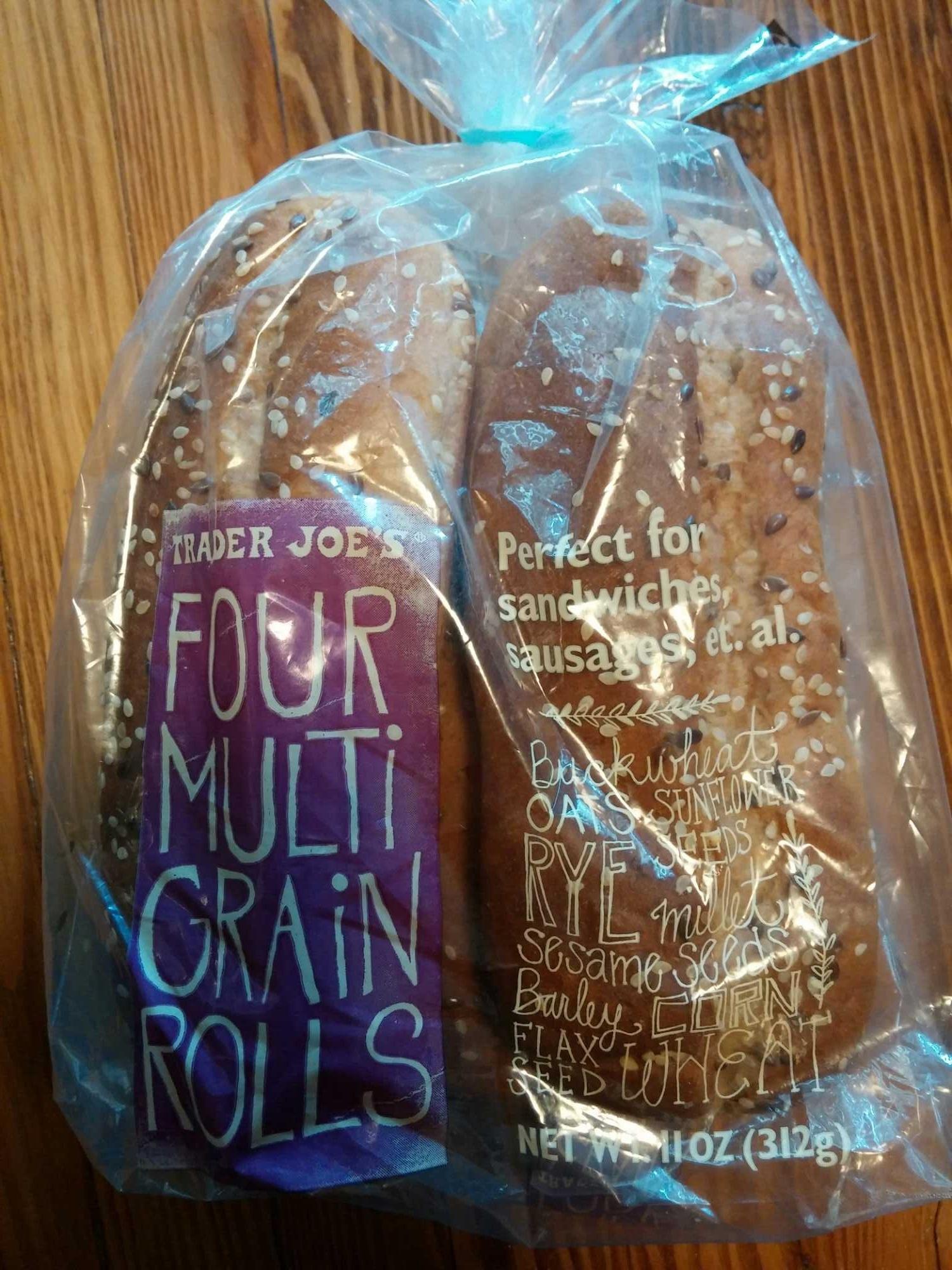 Four multi grain rolls - Product - en