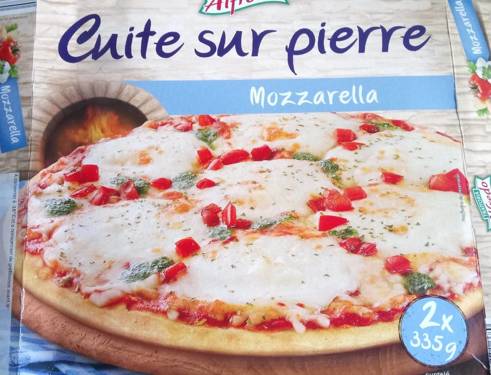 Pizza Mozzarella cuite sur pierre - Produit - fr