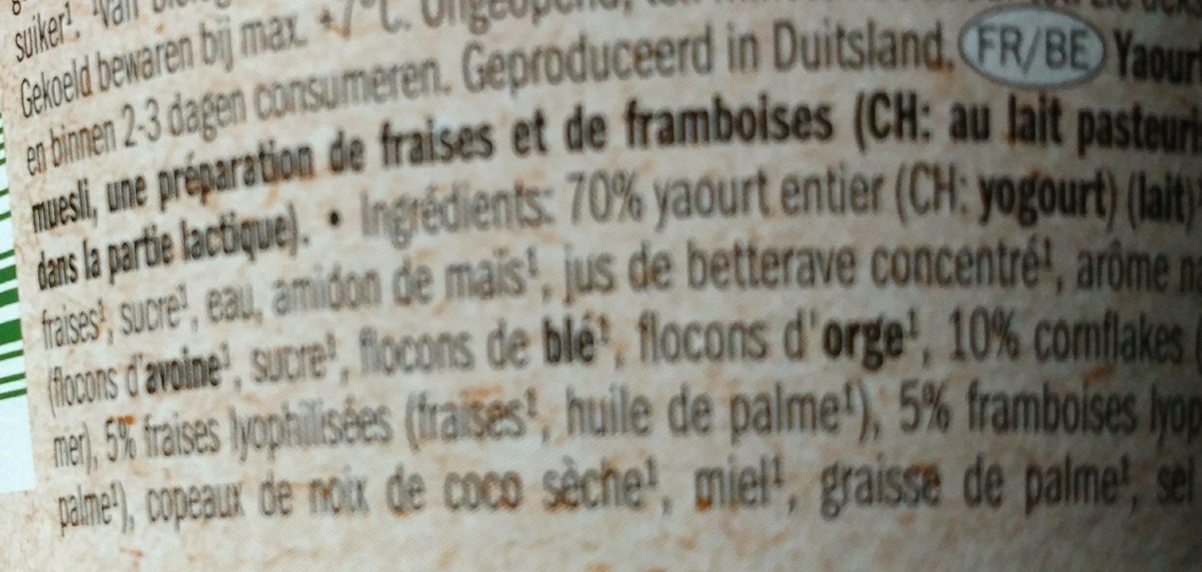 Yogur de fresa con cereales de fresa y frambuesa - Ingrédients