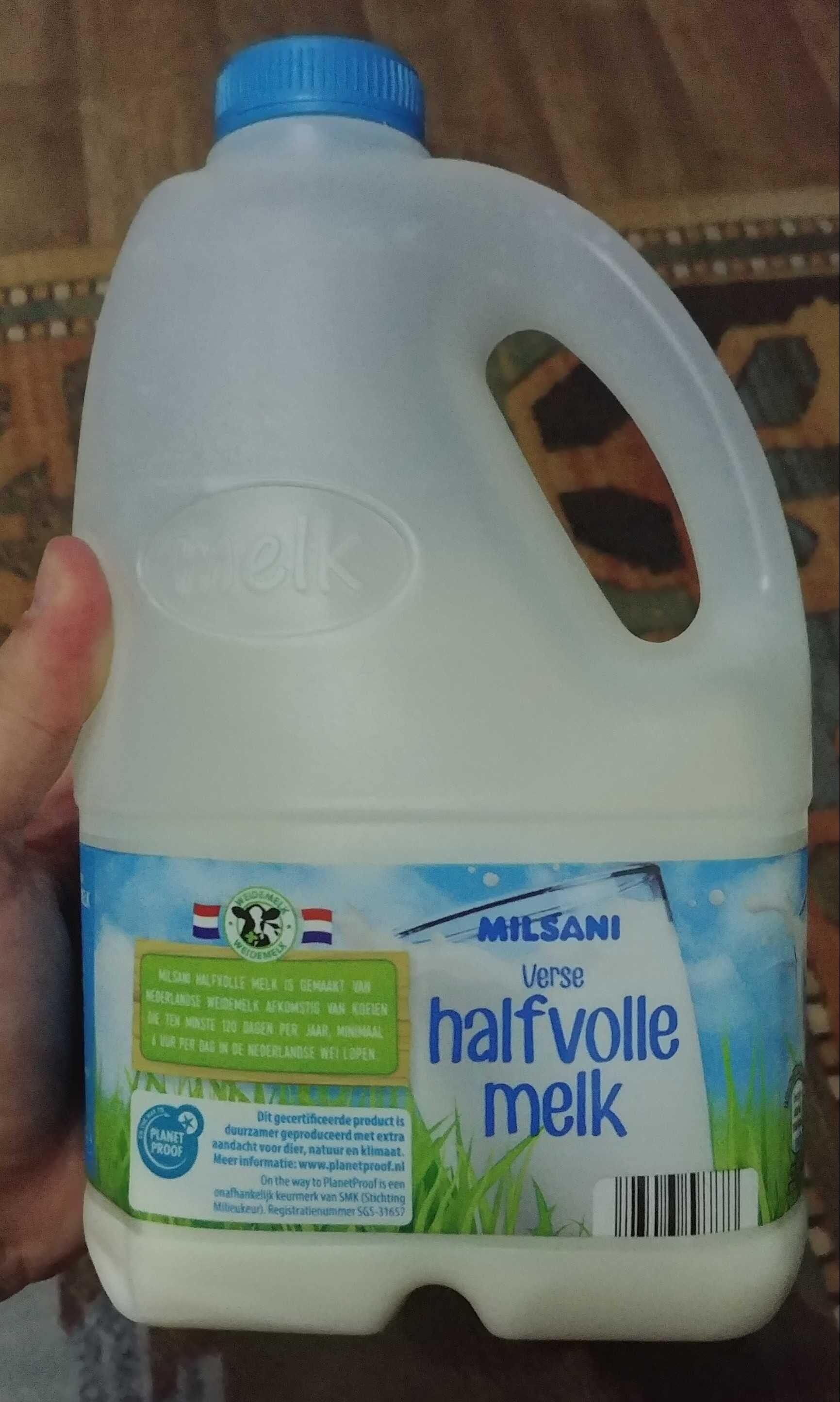 Half volle melk - Nutrition facts