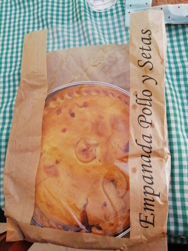 Empanada de pollo y setas - Product - ca