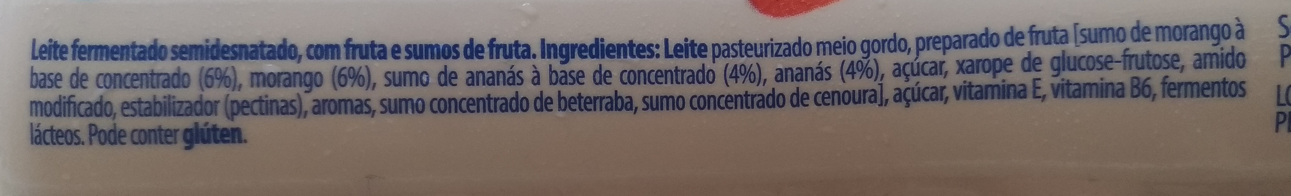 Nestlé yoggi Smoodi morango é ananás - Ingredients