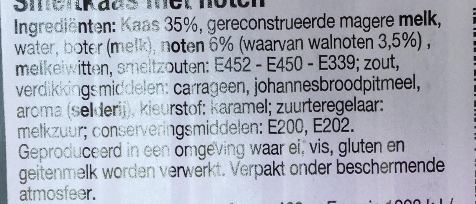 Romige mix van kaas en walnoten - Ingredients - nl