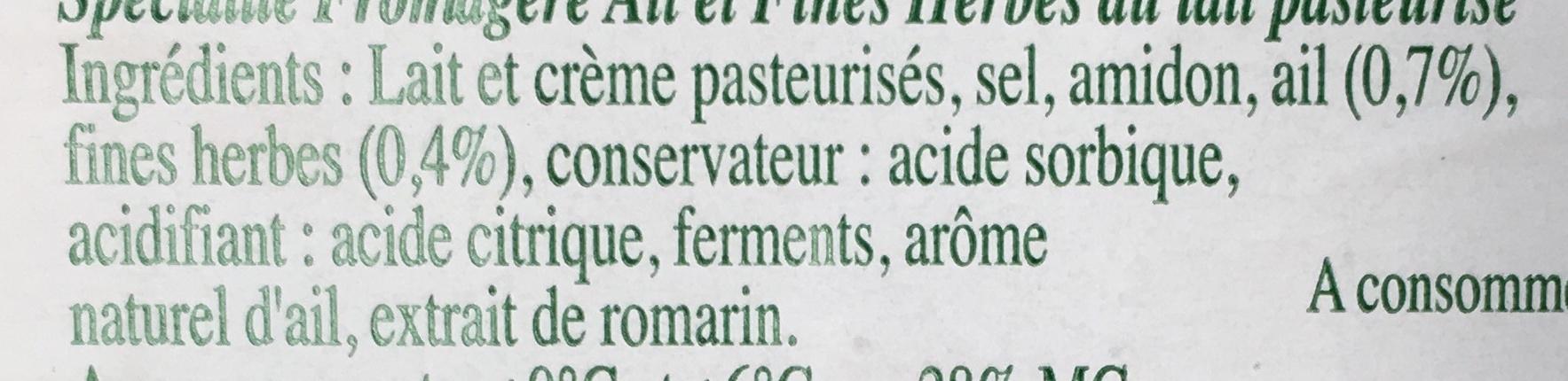 Le roulé - Spécialité fromagère ail et fines herbes au lait pasteurisé - Ingrédients - fr