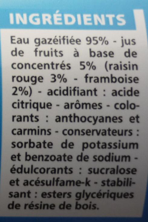 Boisson gazeuse light saveur fruits rouges - Ingrediënten