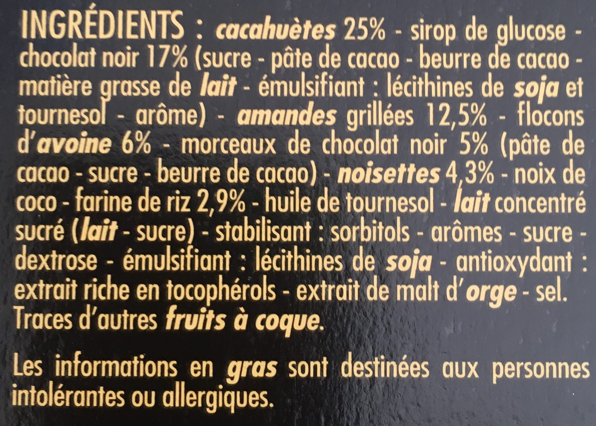 Barres ultra gourmandes Chocolat Noir, cacahuètes, amandes grillées, noisettes Casino - Ingrediënten - fr