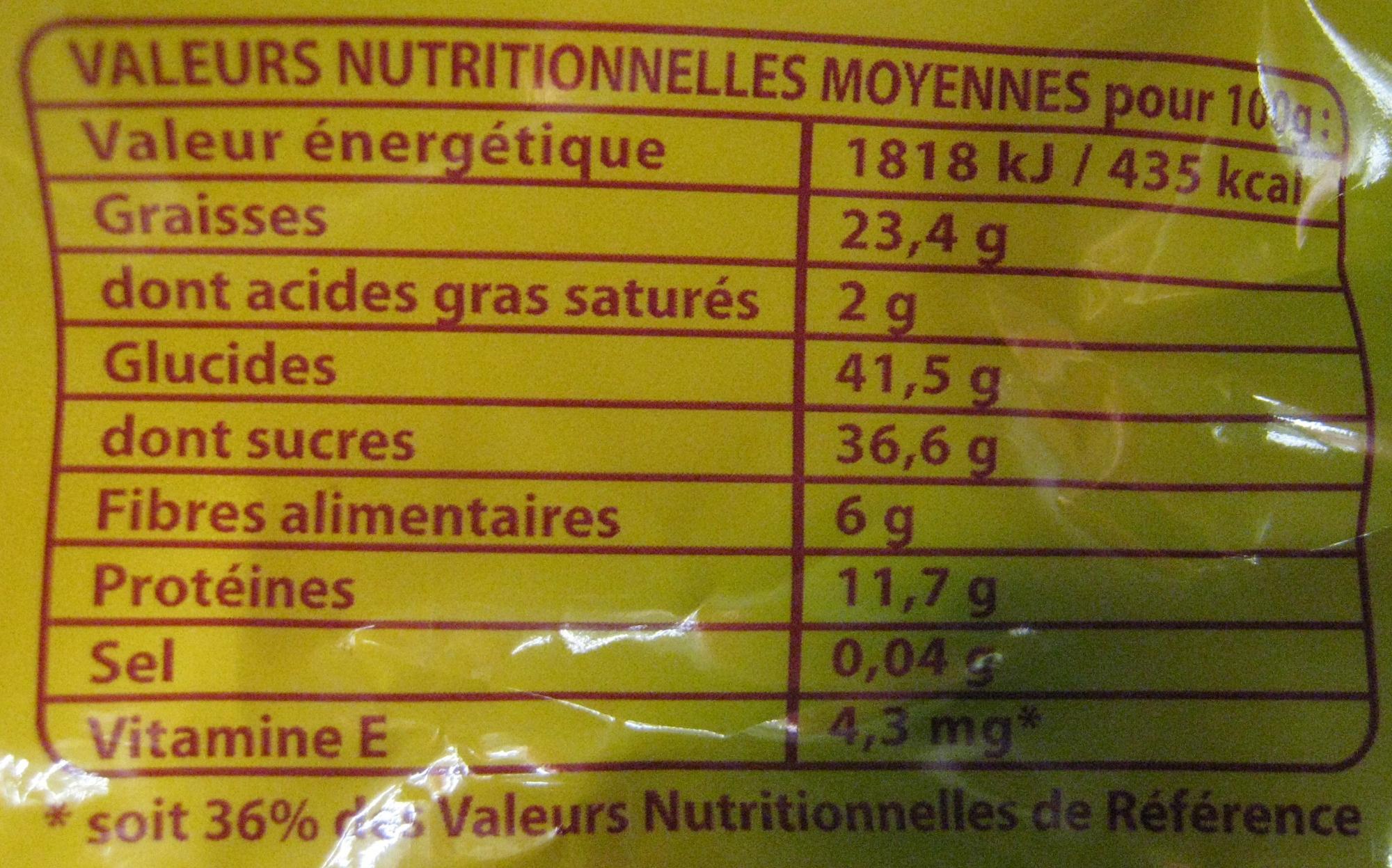 3 Fruits Raisins secs, Amandes, Noisettes Daco Bello - Informations nutritionnelles
