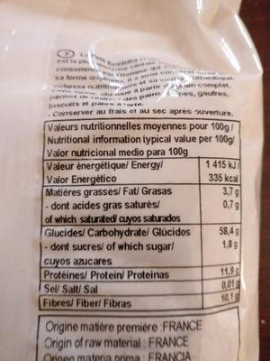 Farine complète de Petit Épeautre - Nutrition facts - en
